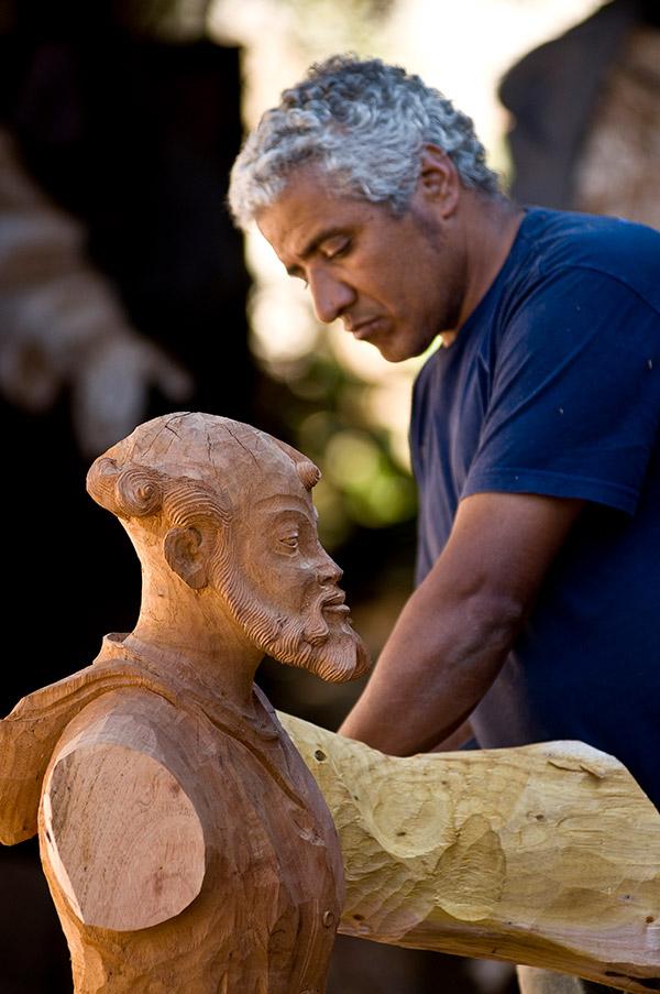 Escultura em Madeira Oficina de Agosto